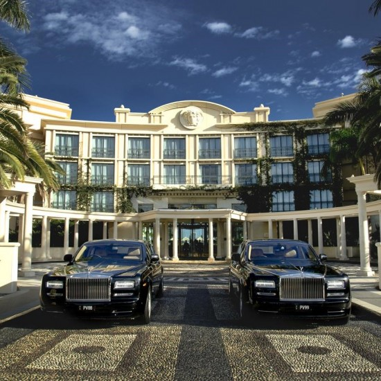 Palazzo Versace - Luxurious and exclusive waterfront location with spectacular Italian architecture designed by Versace featuring top-notch facilities just 10 minutes' walk from Marina Mirage and Sea World.